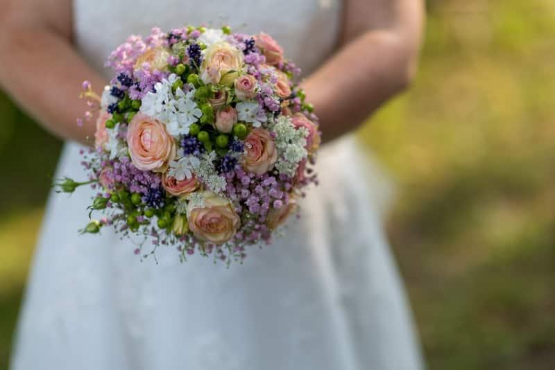 Blumen gehören zur Hochzeit