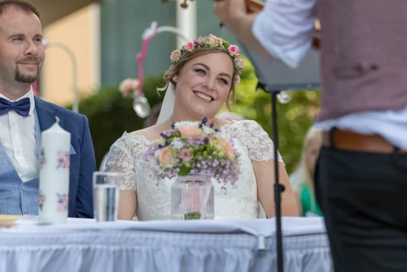Nora und Marcel heiraten